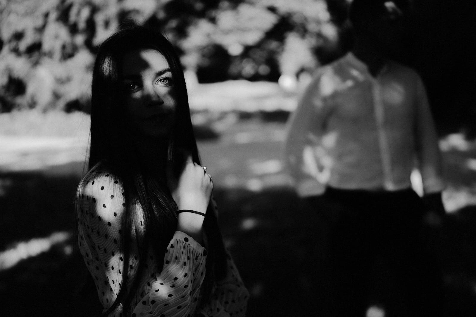 czarno białe zdjęcie portretowe